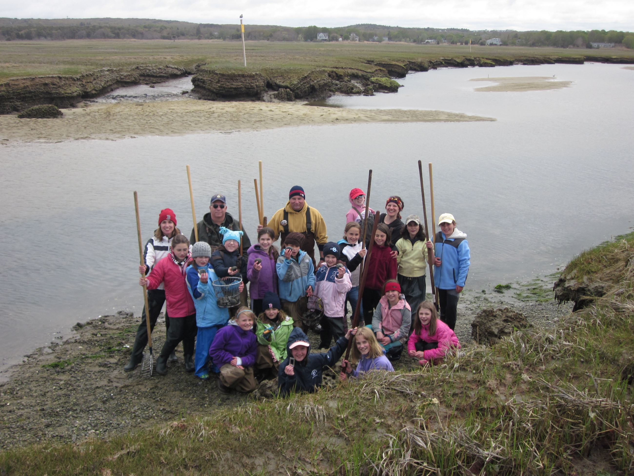 DNR staff and youth shellfish program - 2011